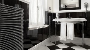 Bathroom-black-and-white-color
